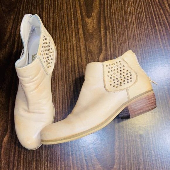 Crown Vintage Beige Studded Ankle Booties Size 6